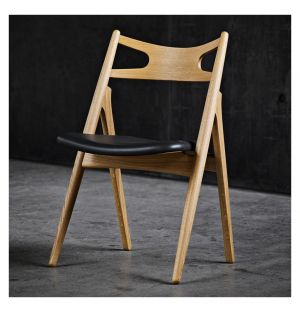 Chaise en chêne huilé et cuir CH29 Sawbuck