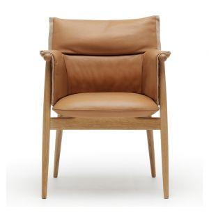 Chaise Embrace 005 chêne huilé & cuir au choix - Carl Hansen