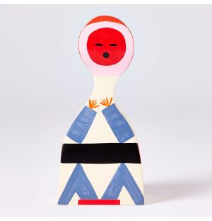 Figurine Wooden Doll N°18