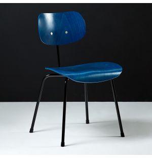 Chaise SE68 en hêtre teinté bleu & piétement noir