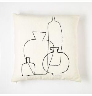 Housse de coussin noire et blanche brodée Vase – 45 x 45 cm