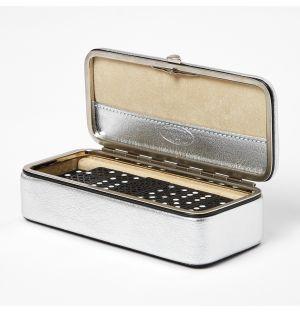 Petite mallette de dominos en cuir argenté