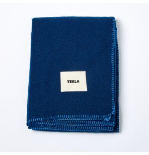 Couverture en laine bleue