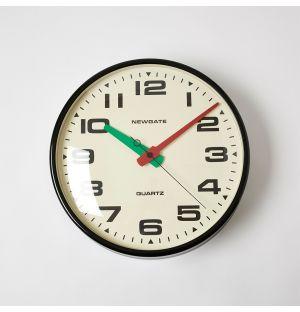 Horloge murale noire Brixton – 40 cm