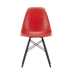 Chaise Fiberglass DSW rouge classique - piètement érable noir