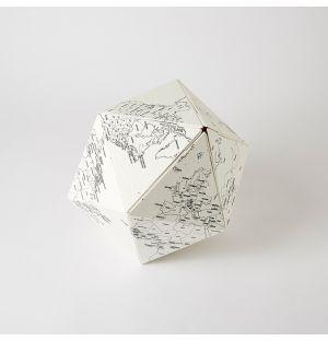 Globe en papier Here By Me