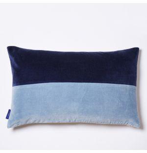 Housse de coussin en velours bleu marine et bleu ciel