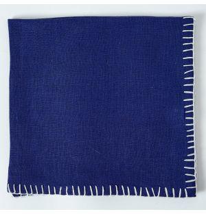 Serviette de table en lin bleu à coutures blanches