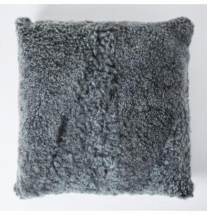 Coussin en peau lainée grise – 45 x 45 cm