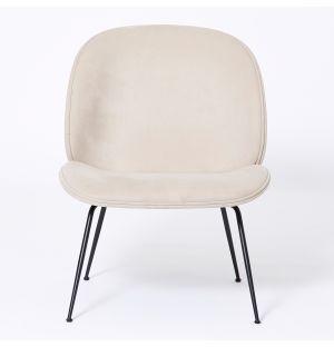 Le lounge chair Beetle velours écru - Modèle d'exposition