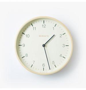 Horloge Mr Clarke en contreplaqué chêne - 28 cm