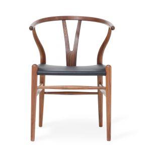 Chaise Wishbone CH24 exclusive en cuir noir et noyer