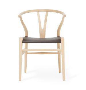 Chaise Wishbone CH24 exclusive en cuir marron et chêne savonné