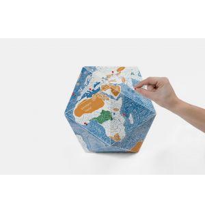 Globe en papier Here by Martí